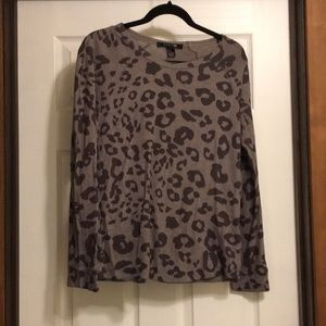 Leopard print knit shirt